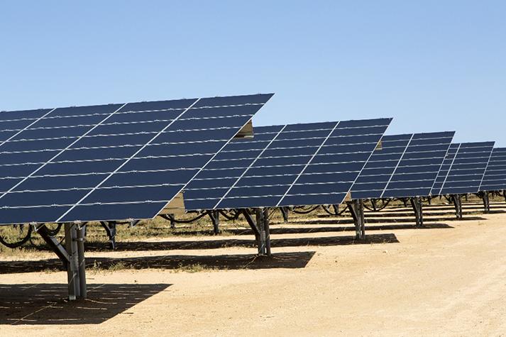 Avis d'appels d'offres: Construction d'une centrale solaire au Bénin et modernisation du système d'information de la SBEE